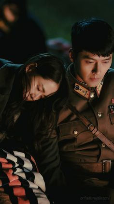 Crash Landing On You-Hyun Bin-K Drama_id-Subtitle Hyun Bin, Korean Drama Movies, Korean Actors, Korean Drama Quotes, Korean Celebrities, Movie Couples, Cute Couples, Korean Couple Photoshoot, Best Kdrama