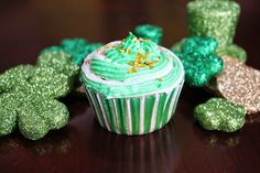 Jersey Girl, Texan Heart: 3 Different St. Patrick's Day Cupcakes