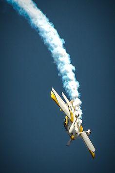 Acrobacias Aéreas - Aerobatics Aircraft http://www.browsetheramp.com/