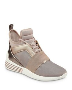KENDALL AND KYLIE KENDALL AND KYLIE BRAYDIN SNEAKERS. #kendallandkylie #shoes #
