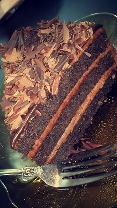 Chocolates, Iced Starbucks Drinks, Snap Food, Tasty Chocolate Cake, Food Gallery, Dessert Recipes, Cake Recipes, Food Snapchat, Food Cravings
