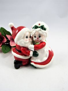 """SALT & PEPPER SHAKERS Christmas Hugging Santa and Mrs. Clause Lefton . The Shakers are 4"""" Tall and in Very Good Vintage Condition! So Cute! by VintageQualityFinds on Etsy"""