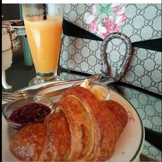 A classic breakfast on the go at Select CITYWALK, New Delhi ! Come and try this delicious ensemble at Elma's At Goodearth