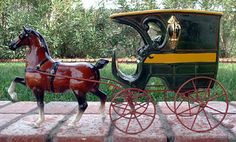 Hackney horse in bay with carriage Metlox California Pottery---I'm liking this image for MBD logo!!