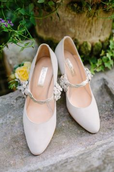 Ivory court shoes with flower detail on strap  - Vintage Inspired Wedding Shoes From Rachel Simpson | Photography by http://www.emmacasephotography.com/