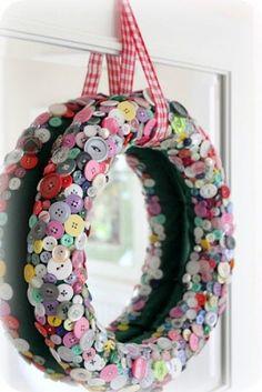 """cute as a button"" wreath Bauble Wreath, Pom Pom Wreath, Felt Wreath, Snowman Wreath, Wreath Crafts, Diy Wreath, Wreath Ideas, Snowman Crafts, Button Crafts"