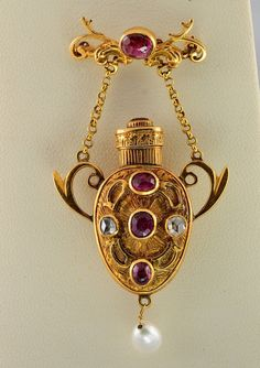 Precious late Victorian ruby and diamond scent bottle 18 Kt gold brooch