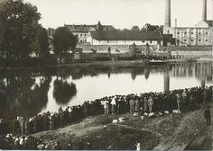 Kolín - Divadelní představení hry Nesmrtelný vůdce (O Žižkovi), v roce 1924. Hrálo tam asi 500 lidí! A diváci se koukali z protějšího břehu.