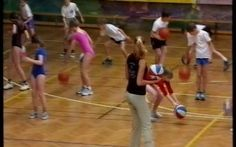 Testnevelés óra - labdavezetés / összeáll. Koltai Miklós. - Szombathely : NmyE… Pe Games, Love My Job, Basketball Court, Sports, Hs Sports, Sport