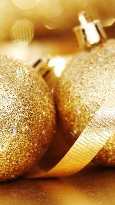 gold.quenalbertini: Glittery Christmas decorations