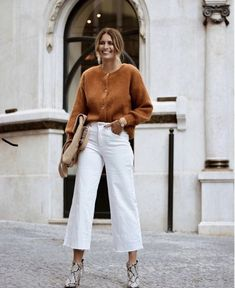 Decoding Minimalist Fashion: Outfit Ideas and Wardrobe Essentials Casual Work Outfits, Mode Outfits, Work Casual, Fashion Outfits, Casual Office, Office Attire, Office Wear, Business Casual, Casual Dressy