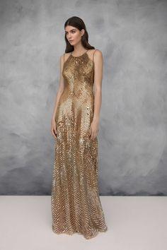 7c4b301190d61 Latest Fashion Trends, Women's Runway Fashion, Gold Fashion, Fashion  Brands, Frocks,