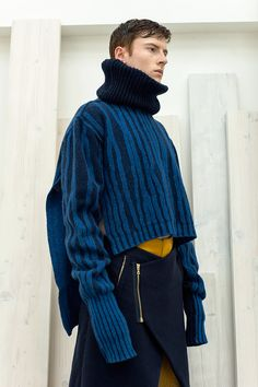 HIE is a project collaboration between London College of Fashion Menswear and Textiles students. HIE designers use layers, gradient and texture as the main tools to achieve astonishing effects into modern tailoring, knitwear and print. The main inspiration for the... »