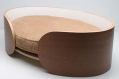 Sweet and Simple: Ellipse Pet Bed from Vurv Design