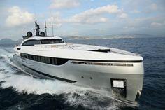 The ELEONORA III Sport Hybrid Yacht Sets New Standards