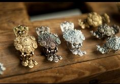 Bunad: Nå får du hårspenner til bunaden - KK Diamond Earrings, Stud Earrings, Hair Clips, Jewelry, Fashion, Hair Rods, Moda, Jewlery, Bijoux