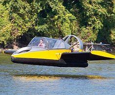 Fliegendes Luftkissenboot darumbinichblank.de