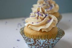 Bakergirl: Vanilla Cupcakes for Two.
