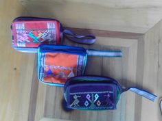 Cosmetiqueras con pasaportes (makeup bags with passport cases)