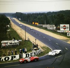 Sports Car Racing, Road Racing, Sport Cars, Auto Racing, Racing Team, 24 Hours Le Mans, Le Mans 24, Martini, Porsche