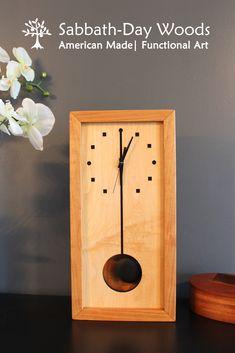 Beautiful, wooden clock with pendulum. Tic Toc, Modern Clock, Diy Clock, Wood Clocks, Diy Box, Sabbath, Magpie, Woodworking Ideas, Wood Art
