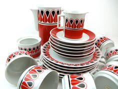 vtg 21 piece dish set/ tea set, black and red, AMAZING, Schirnding, Bavaria, West Germany, 1960's, retro, mod by Breelzebub on Etsy https://www.etsy.com/listing/105451767/vtg-21-piece-dish-set-tea-set-black-and