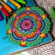 Doodle Art Designs, Doodle Patterns, Zentangle Patterns, Mandala Pattern, Mandala Design, Mandala Doodle, Mandala Art Lesson, Mandala Making, Doodle Art For Beginners