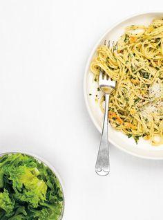 Chicken pasta lemon to the persil ricardo Yummy Pasta Recipes, Easy Dinner Recipes, Chicken Recipes, Cooking Recipes, Healthy Recipes, Dinner Ideas, Lemon Chicken Pasta, Confort Food, Ricardo Recipe