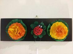 Quadretto 3D portafortuna ;) con coccinella in cotone lavorazione amigurumi e fiori di carta