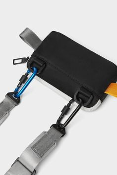 Carrying case for mobile phone with zip fastening and interior compartment. Four tabs so it can be worn as a shoulder or a crossbody bag. Contrast-colour hook and tab details. Pouch Bag, Backpack Bags, Everyday Carry Bag, Module Design, Cute Phone Cases, Leather Craft, Leather Bags, Fashion Bags, Bag Accessories