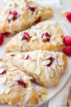 These Raspberry Almond Cream Scones are made with sour cream and fresh raspberries. Easy raspberry scones begin with the best basic scone dough, then are made with fresh raspberries, glazed and topped with toasted almonds. Breakfast Scones, Perfect Breakfast, Breakfast Ring, Breakfast Ideas, Sour Cream Scones, Basic Scones, Raspberry Scones, Raspberry Scone Recipe Easy, Biscuits