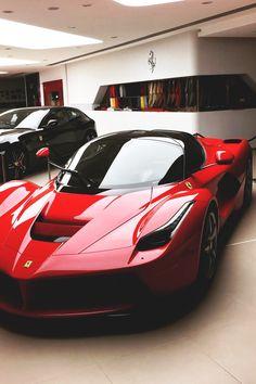 The Daily Ferrari: Themanliness: LaFerrari | Source | Facebook |.