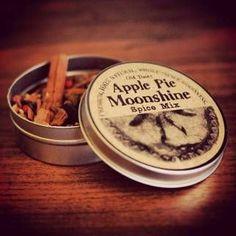Strawberry Moonshine Recipe – Copper Moonshine Still Kits - Clawhammer Supply Whiskey Recipes, Rum Recipes, Homebrew Recipes, Alcohol Recipes, Peach Moonshine, Moonshine Whiskey, Apple Pie Moonshine, Moonshine Recipe, Craft Beer