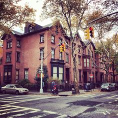 Brownstone Stroll. Cobble Hill, Brooklyn