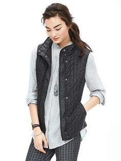 Quilted Field Vest by Banana Republic - perfect for 60 degree weather Black Waistcoat, Black Vest, Pharell Williams, Spring Fashion Casual, Spring Outfits, Fall Fashion, Winter Outfits, Fashion Trends, Banana Republic Women
