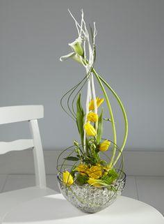 Modern spring flower floral arrangement
