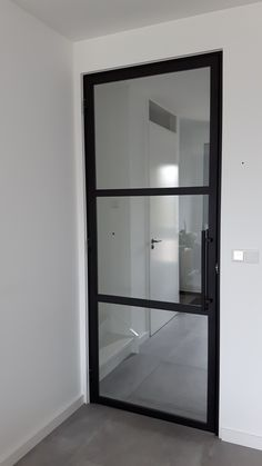 Steel door (hinge) with 3 surfaces and tubular handle - My St . Steel door (hinge) with 3 surfaces and tubular handle - My St . - Steel door (hinge) with 3 surfaces and tubular h Steel Doors And Windows, Bathroom Doors, Closet Bedroom, Luxury Interior Design, Office Interiors, Glass Door, New Homes, House Design, House Styles