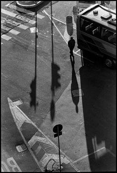 Elliott Erwitt, Italy, Milan, 2000.