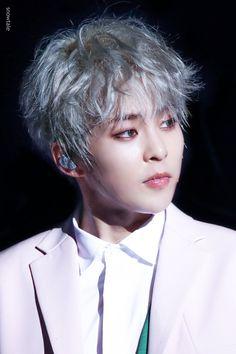 180519 Xiumin - Magical Circus Tour In Nagoya Day 1 Kim Minseok Exo, Baekhyun Chanyeol, Kpop Exo, Exo K, Kris Wu, K Pop, Rapper, Spirit Fanfic, Exo Official