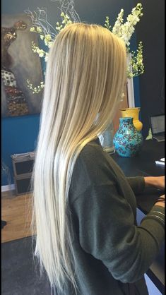 Blonde Blond The post Blond appeared first on Frisuren Tips. Blond The Auburn Blonde Hair, Light Blonde Hair, Blonde Hair Looks, Blonde Wig, Blonde Long Hair, Light Blonde Balayage, Medium Blonde, Light Hair, Real Hair Wigs