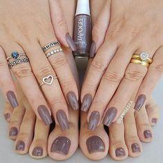 """@Regrann from @lenisesca -  Esmalte: """"Maria Helena"""" da @lapogeebrasil . . . SIGAM MEU IG DE TRAB. @ju_costa_adesivos . . #boatarde #unhasjucosta #instaunhas #instanails #unhas #nails #nailart #nailpolish #esmaltes #esmalte #mani #manicure #dicasdeunhasbr #dicasdeunhas #unhasfeminina #unha #nail #viciadaemvidrinhos #unhadasemana #unhasdasemana #esmaltedasemana #unhaslindas #nailstagram #nailswag #nails2inspire #naildesign #anel  #instadeunhas #unhasdecoradas #nailsdone"""