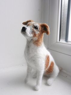 This needle felted Jack Russell Terrier stuffie almost looks real! Wool Needle Felting, Needle Felting Tutorials, Needle Felted Animals, Felt Animals, Frozen Dog Treats, Smooth Fox Terriers, Felt Dogs, Wool Art, Jack Russell Terrier