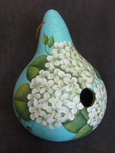 Decorative Gourds, Hand Painted Gourds, Pottery Painting Designs, Paint Designs, Gourds Birdhouse, Gourd Art, Stick Figures, Tole Painting, Garden Crafts