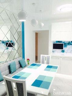 Продается трех комнатная квартира с дизайнерским ремонтом. Квартира, полностью меблирована и готова к жизни. Встроенная кухня в стиле минимализм с...