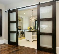ideas for contemporary barn door in the house Diy Barn Door, Sliding Barn Door Hardware, Diy Door, Ikea Sliding Door, Sliding Glass Closet Doors, Double Sliding Doors, Sliding Door Design, Sliding Wall, Modern Sliding Doors