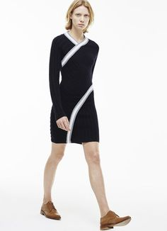 Fashion show V-neck dress in cable knit wool