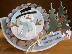Shaped Cards, Marianne Design, Snowmen, Stampin Up, Birthday Cards, Diy And Crafts, Christmas Cards, Decorative Plates, Place Card Holders