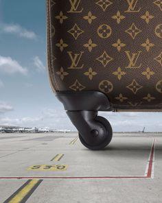 Louis Vuitton's new four-wheeled suitcase. Pégase series.