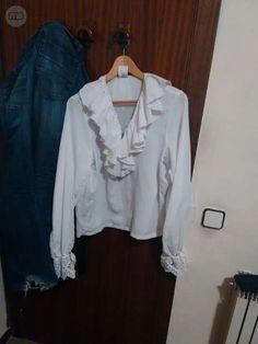 . vendo esta camisa de pirata para niños, es una talla M