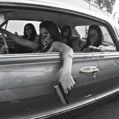 Girls Oldies from early to the early Tracks from: Otis Redding The Delfonics The Stylistics Marvin Gaye and Tammi Terrell Gangsta Girl, Fille Gangsta, Marvin Gaye, Estilo Chola, Tattoo Arm Mann, Chicks Be Like, Foto Glamour, Thug Girl, Cholo Style